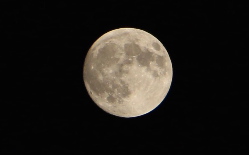 Moon 150927